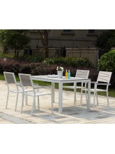 Table + 6 fauteuils en polywood gris clair