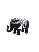 Éléphant noir avec marinière blanche