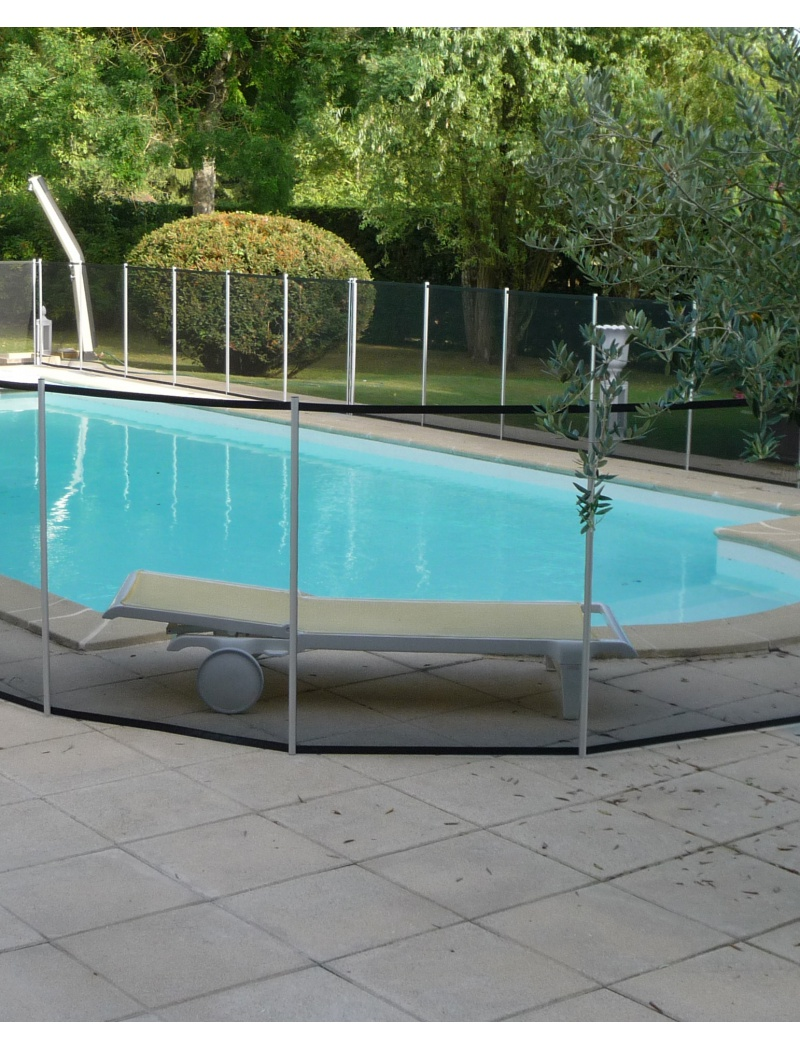 Piscine securite enfant barriere demontable souple for Cloture piscine