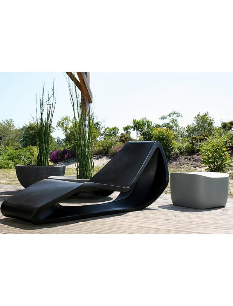 Mobilier de jardin design chaise longue organic qui est paul for Meuble de jardin chaise longue