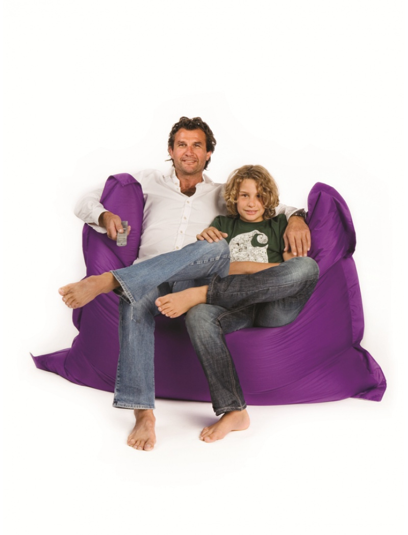 pouf sit on it indoor outdoor pouf en polyester coloris violet. Black Bedroom Furniture Sets. Home Design Ideas