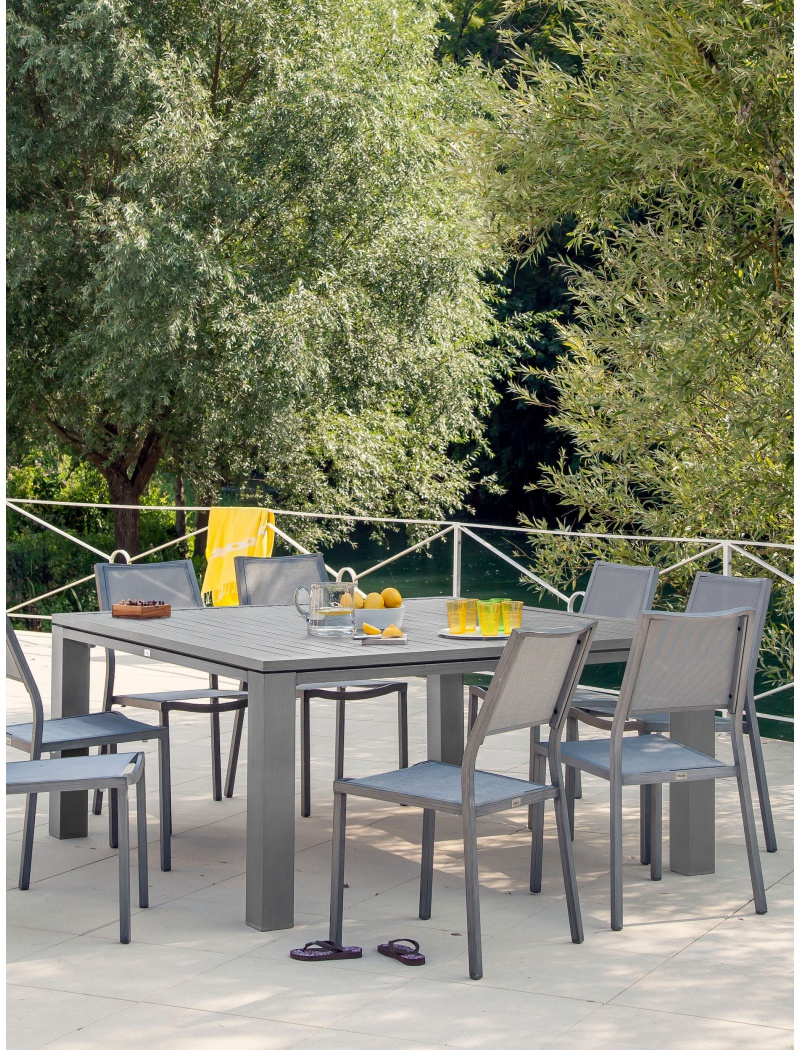 Table de jardin Proloisirs : table carrée Fiero en aluminium